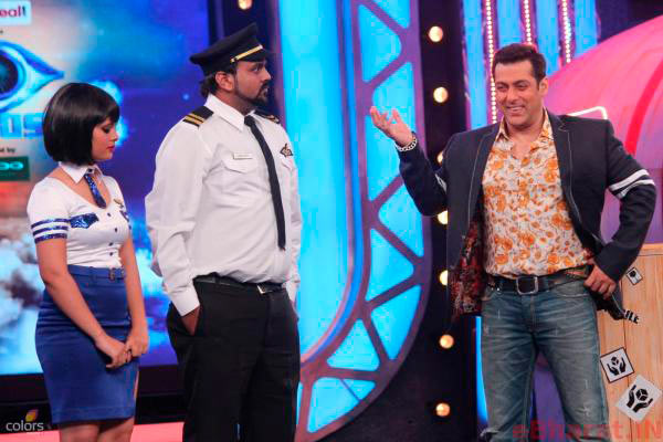 Salman Khan with Jallad on Bigg Boss