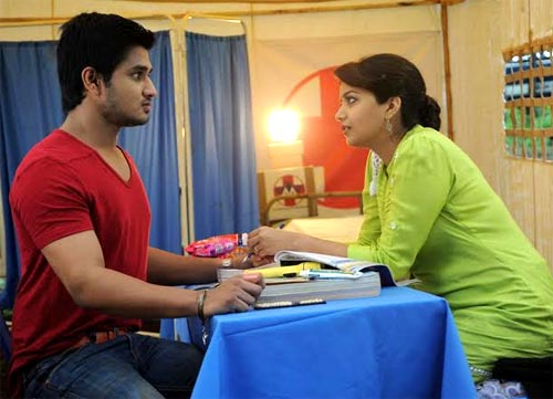 Nikhil and Swati in Karthikeya
