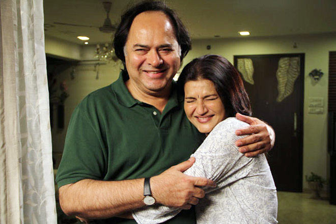 Farooque Shaikh and Sarika in Club 60