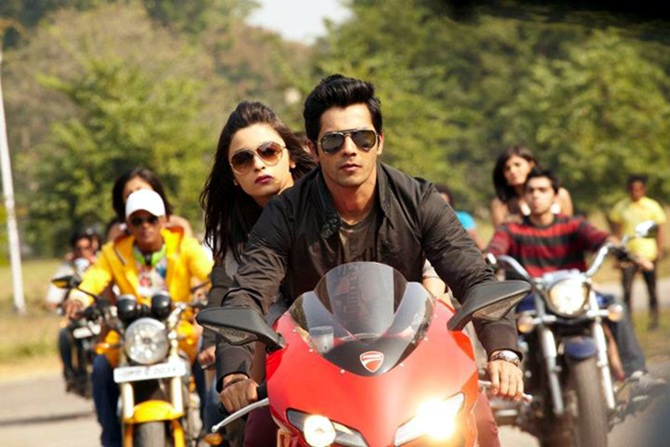 Alia Bhatt and Varun Dhawan in Student of the Year