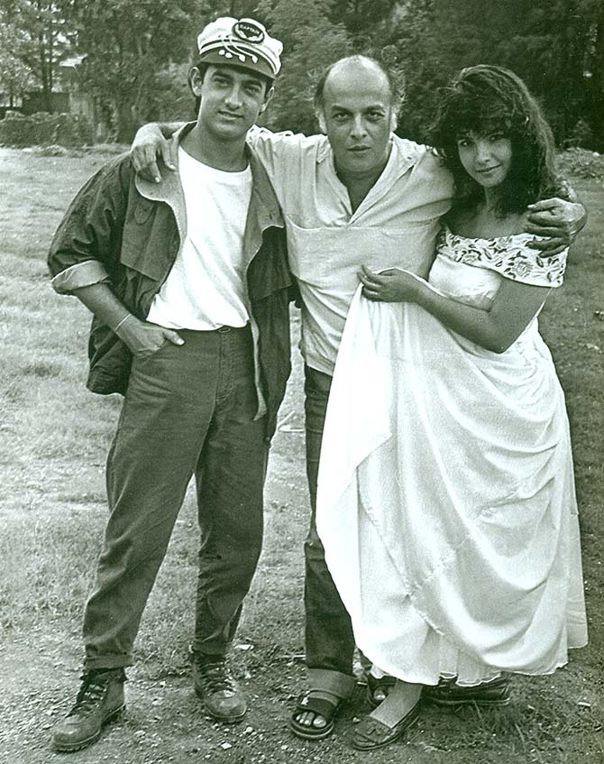 Aamir Khan, Pooja Bhatt and Mahesh Bhatt on the sets of Dil Hai Ki Maanta Nahin