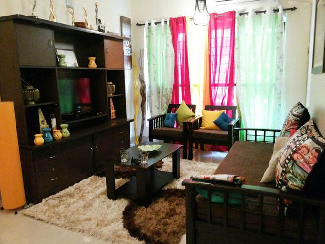 Pix Tv Actress Surbhi Jyoti S Super Stylish Mumbai Home
