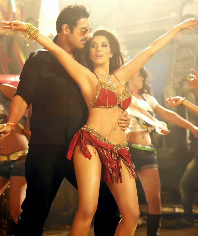 Sophie Choudhry in Shootout at Wadala