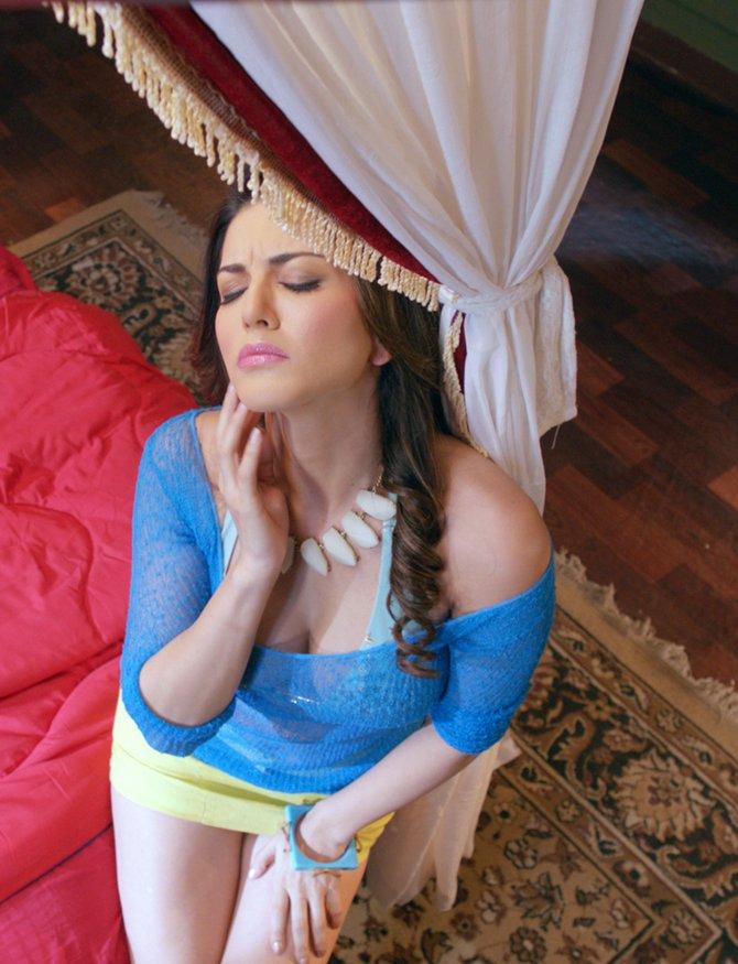 Pix Sunny Leone Gets Bold In Ragini Mms 2 - Rediffcom Movies-1383