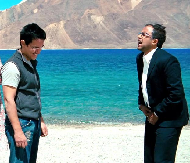Aamir Khan and Omi Vaidya in 3 Idiots