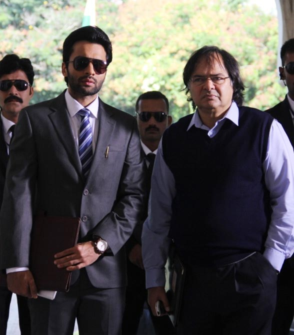 Jackky Bhagnani and Farooque Sheikh in Youngistaan