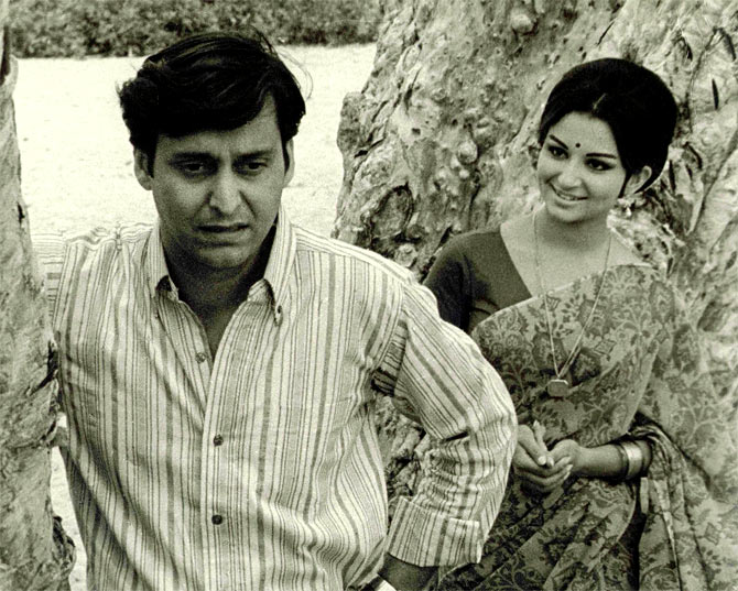 Soumitra Chatterjee and Sharmila Tagore in Aranyer Din Ratri