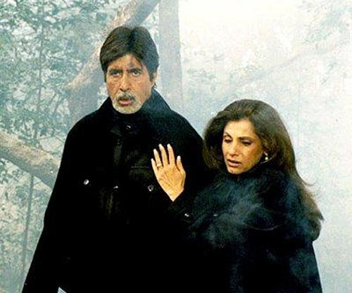 Amitabh Bachchan and Dimple Kapadia in Hum Kaun Hai