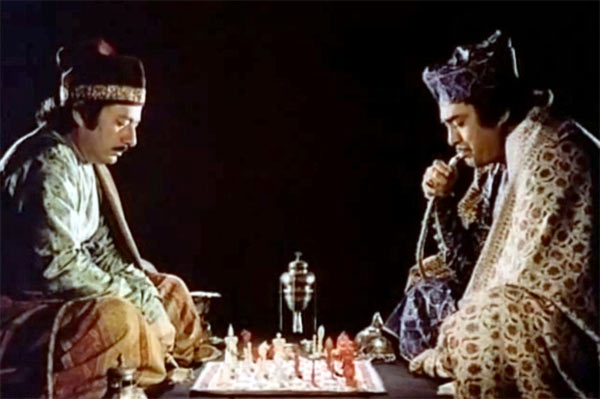 Saeed Jaffrey and Sanjeev Kumar in Shatranj Ke Khilari