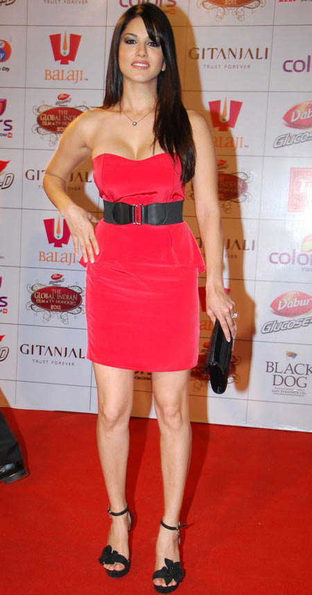Birthday Special Fashion Lessons From Sunny Leone - Rediffcom Movies-8006