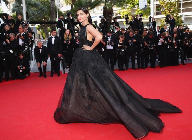 Pix Sonam Kapoor Makes Stylish Debut At Cannes 2014