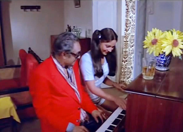 Ashok Kumar and Rati agnihotri in Shaukeen