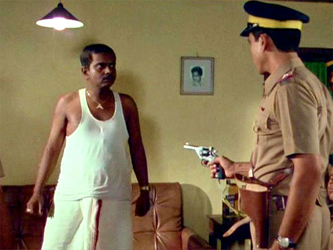 Om Puri and Sadashiv Amrapurkar in Ardh Satya