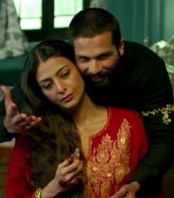 Tabu and Shahid Kapoor in Haider
