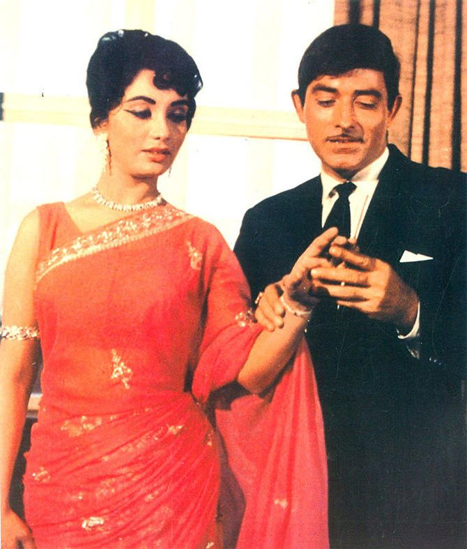 Sadhana and Raaj Kumar in Waqt