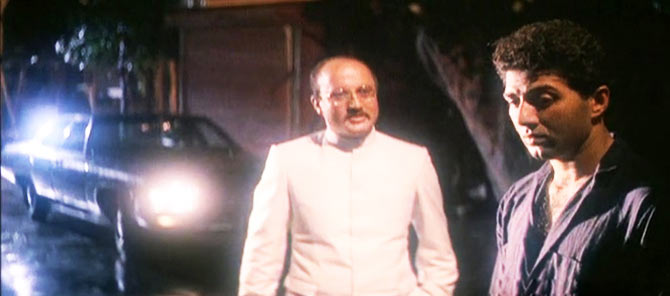 Anupam Kher and Sunny Deol in Arjun