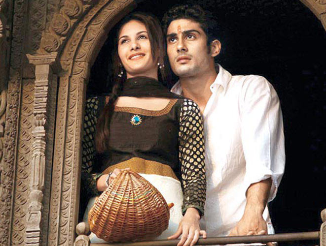 Amy Dastur and Prateik Babbar in Issaq