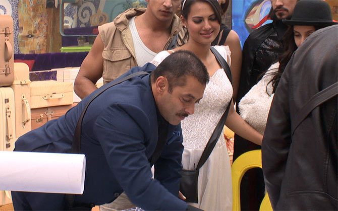Salman Khan's birthday celebration in Bigg Boss