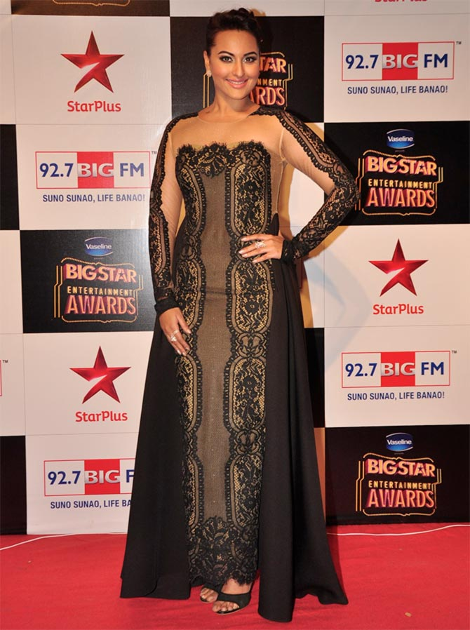 Sonakshi Mallika Nargis The Worst Red Carpet Styles