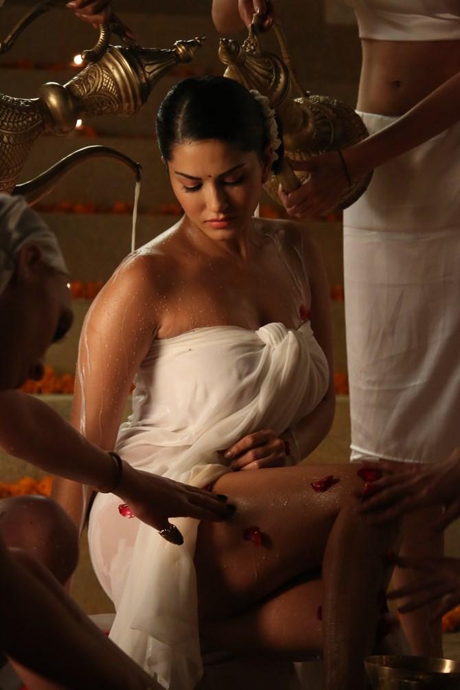 Pix Sunny Leone Has A Milk Bath Rediff Com Movies
