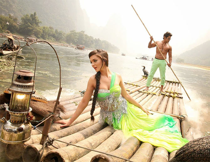 Amy Jackson and Vikram in I