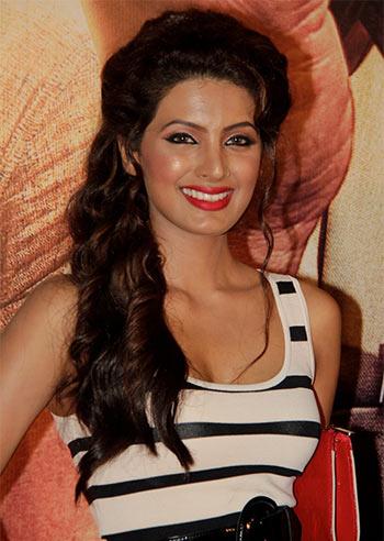 Chat 2 30pm Catch Second Hand Husband Actress Geeta Basra Rediff Com Movies