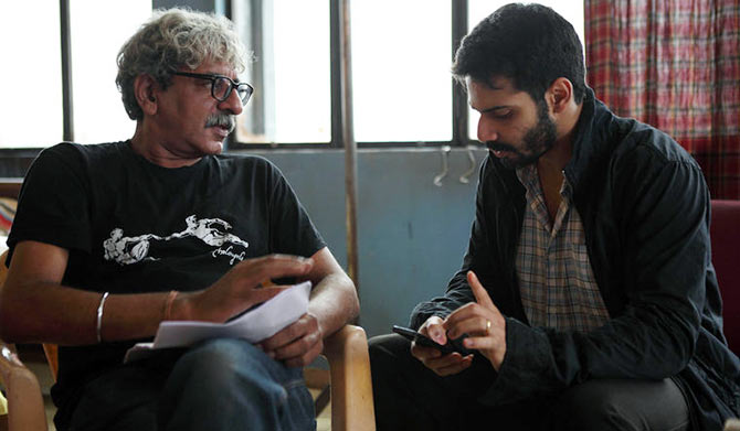 Director Sriram Raghavan and Varun Dhawan on the sets of Badlapur.