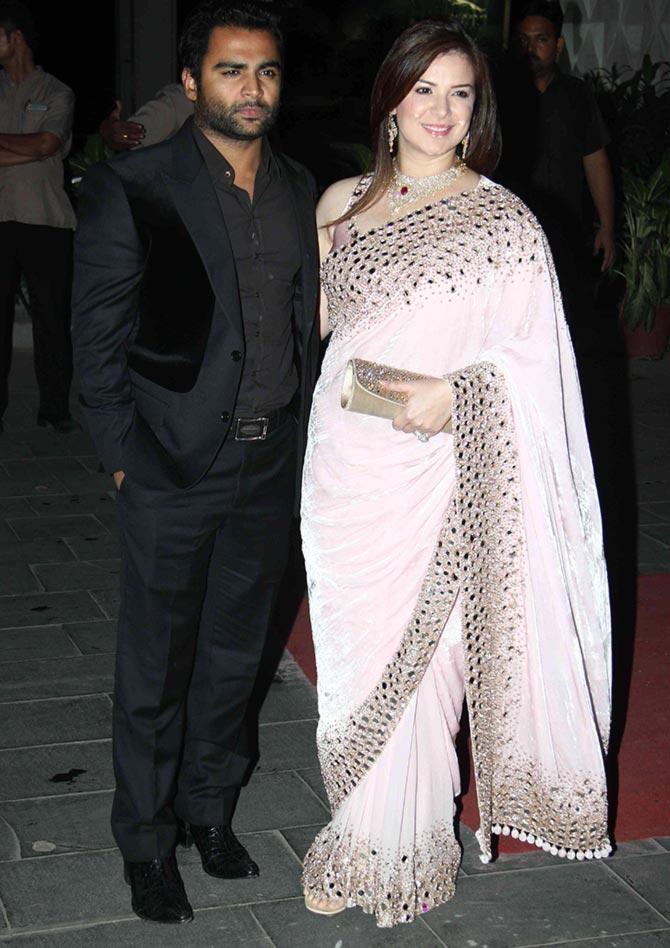 Pix Sunny Leone Sridevi Jacqueline Go Glam At Wedding Reception Rediff Movies