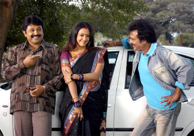 Prabhu, Jyothika and Rajnikanth in Chandramukhi