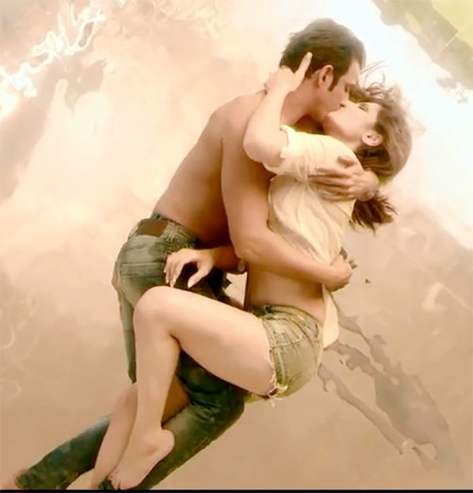 Sharman Joshi and Zarine Khan in Hate Story 3