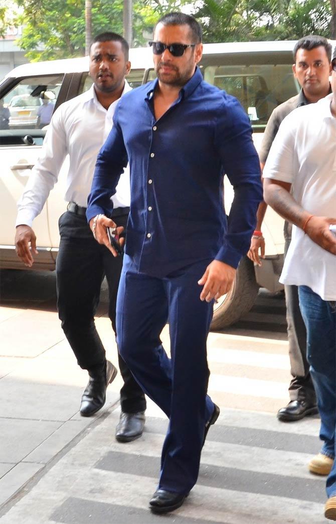 Pix Priyanka Salman Deepika S Airport Fashion Rediff