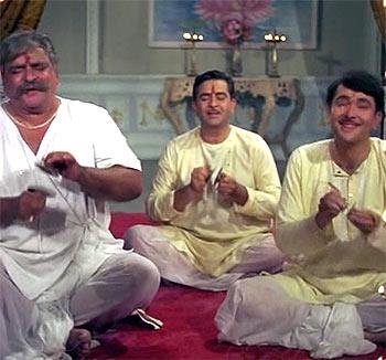 Classic revisited: Three generations of Kapoors in Kal Aaj Aur Kal - Rediff.com movies