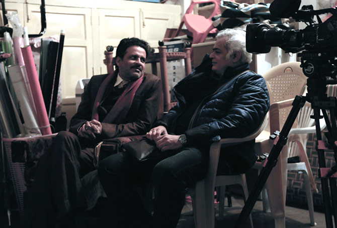 Manoj Bajpayee and director Hansal Mehta on the sets of Aligarh.