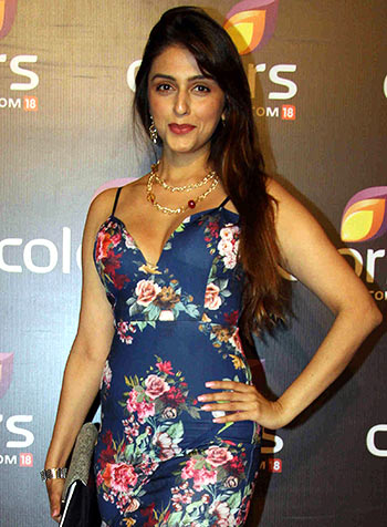 Spotted Aarti Chhabria Mandana Karimi At A Party Rediff Com