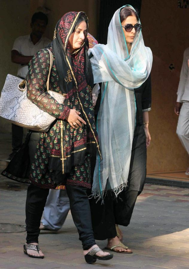 Tabu and Farah Naaz