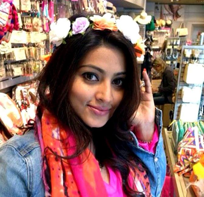 Looking At Actress Sneha's WOW Life!