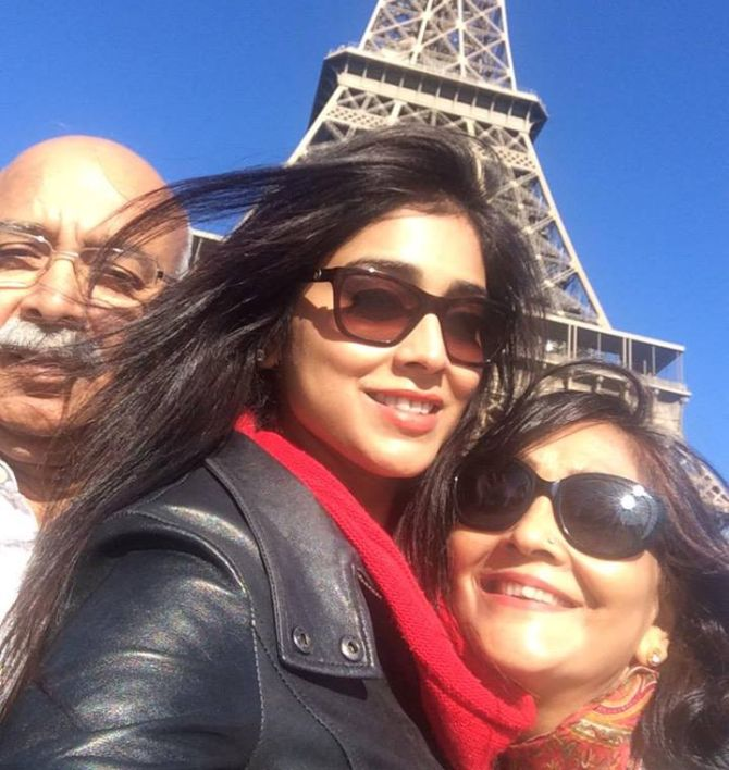 Shriya Saran with her parents