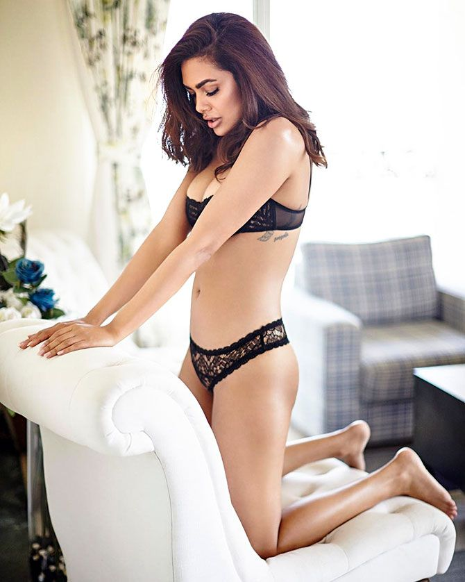 Doesnt Jacqueline look HOT? - Rediff.com movies