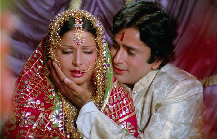 Raakhee and Shashi Kapoor in Kabhi Kabhie