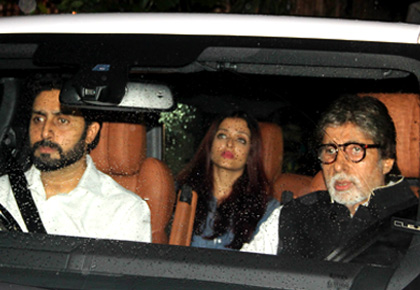 The Kapoors pay respects to Shashi Uncle