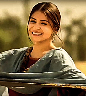 Current Bollywood News & Movies - Indian Movie Reviews, Hindi Music & Gossip - What the Phillauri trailer tells you about Anushka Sharma!