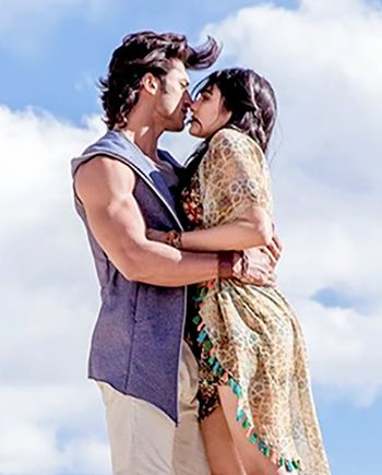 Vidyut Jamwal and Adah Sharma in Commando 2