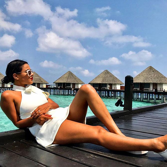 nia sharma,hot,sexy,white,images,2017,photos,pics,pictures,jamai raja,roshni