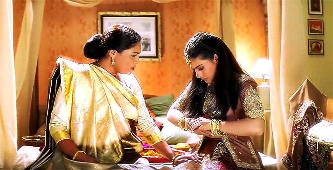 Reema Lagoo's winsome moments as Bollywood's Ma - Rediff.com movies