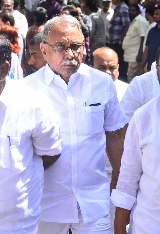 Chandrababu, NTR Jr, Pawan Kalyan bid Dasari farewell