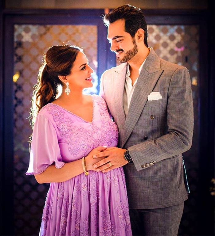 Current Bollywood News & Movies - Indian Movie Reviews, Hindi Music & Gossip - It's a baby girl for Esha Deol!