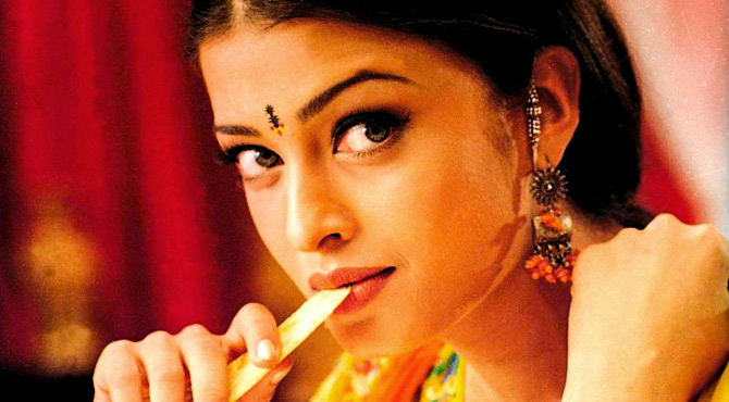 Lessons from Bollywood: How to wear a bindi! - Rediff com movies