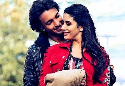 Current Bollywood News & Movies - Indian Movie Reviews, Hindi Music & Gossip - Loveyatri review: Lousy movie by any name is still a lousy movie