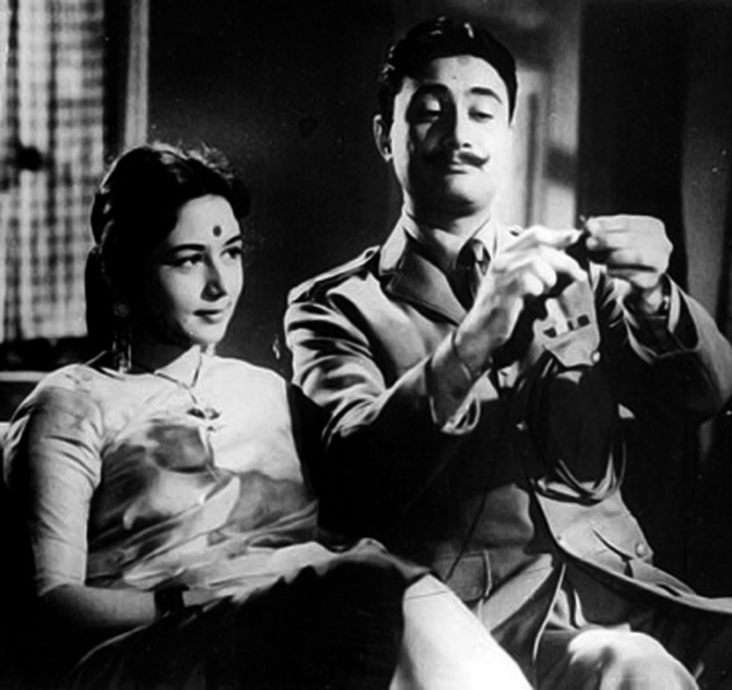 Nanda and Dev Anand in Hum Dono
