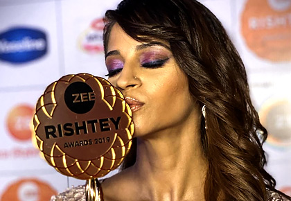 Shweta, Sehrish: BIG WINNERS of Zee Rishtey awards